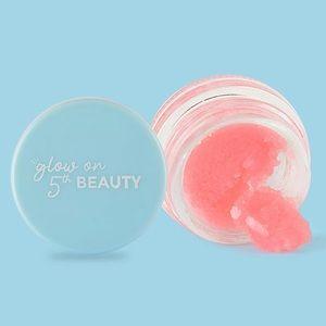 Glow on 5th Beauty - Exfoliating Lip Scrub 👄 🤩